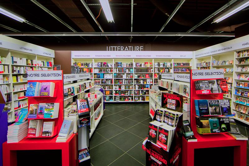 Librairie, rayon livres U Culture Gujan